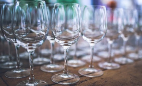 wine-glasses-empty-white-glass