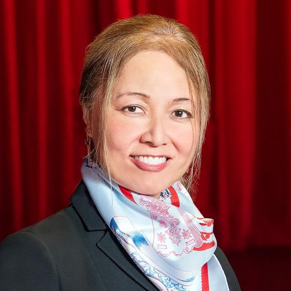 Jane Fujishige Yada '88