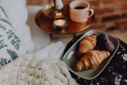 cozy-time-with-croissants-and-figs