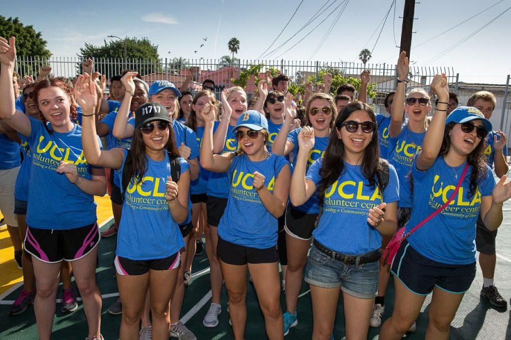 UCLA Alumni Volunteer Day: Rose Bowl Bruins at Arroyo Seco